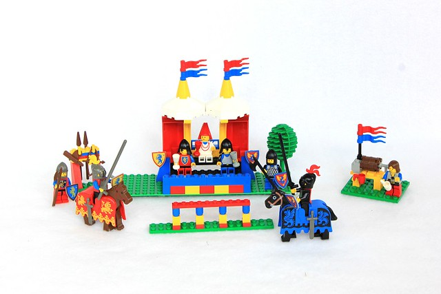 Review: Knight's Challenge set 6060 - InnovaLUG: LEGO Users