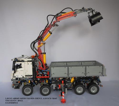 Lego technic 42043 mercedes benz arocs 3245 lego technic for Lego technic mercedes benz arocs