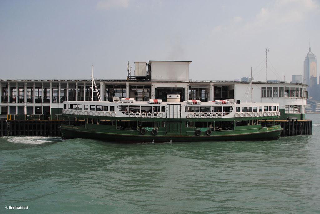 Star Ferryn kyydissä