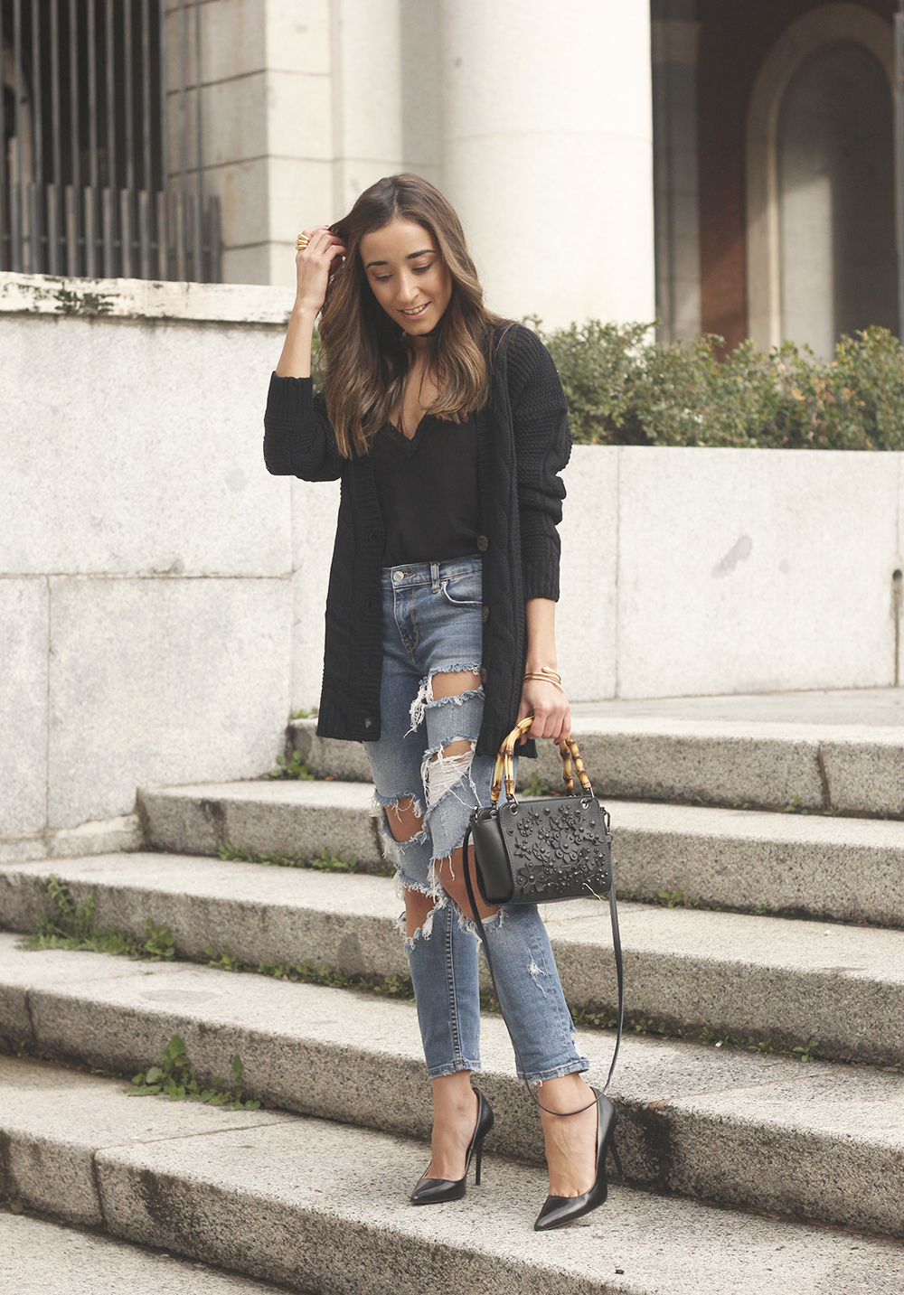 black lace top ripped jeans black cardigan uterqüe bag accessories outfit style fashion heels06