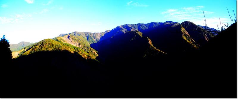 馬馬宇頓登山口西北眺