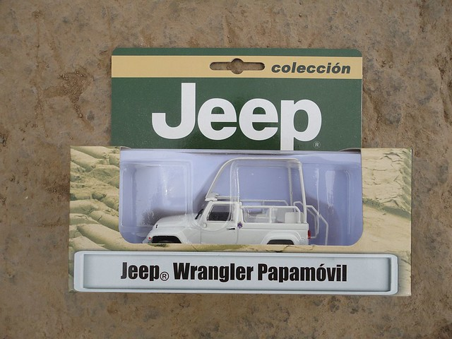 "Jeep Wrangler Unlimited Sport ""Papamóvil"" (2015) 1/43 (PCT - IXO)"