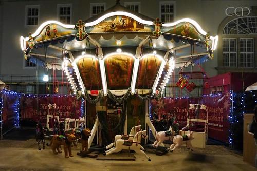 Cute carousel!