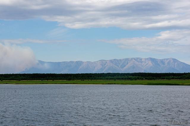 Полуостров Святой Нос. Вид с реки Баргузин. Бурятия. Россия.