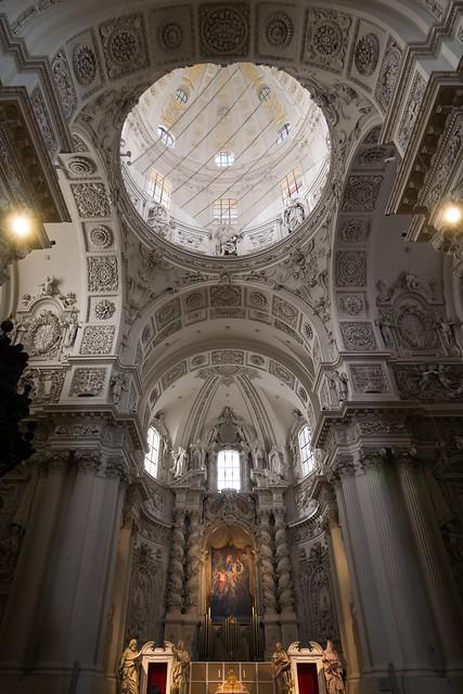 Theatiner Altar