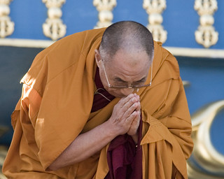 His Holiness Bows to the Crowd | by InSitu Photography