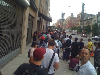 View from the line at 14th St Apple Store | by scriptingnews