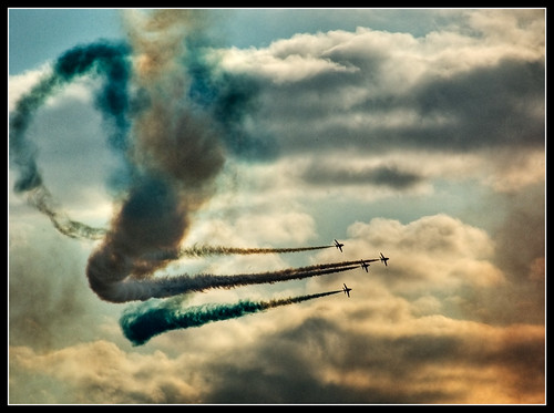 Red Arrows - Painting with smoke | by Tony-H