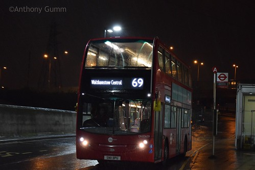 Tower Transit DN33639 on Route 69, Canning Town