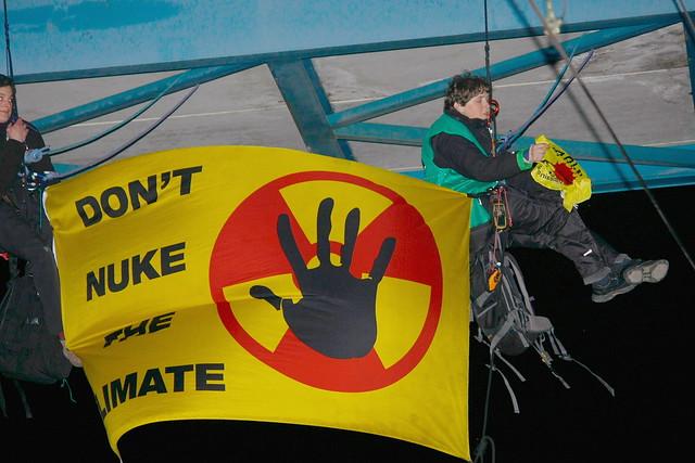 8.4.16 Kletteraktion gegen uranzug in Buchholz