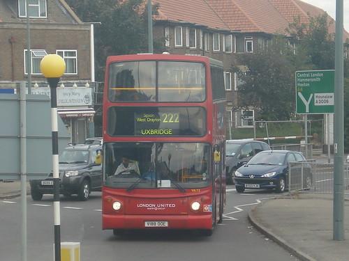 London United VA72 on Route 222, Hounslow West, 23/08/12