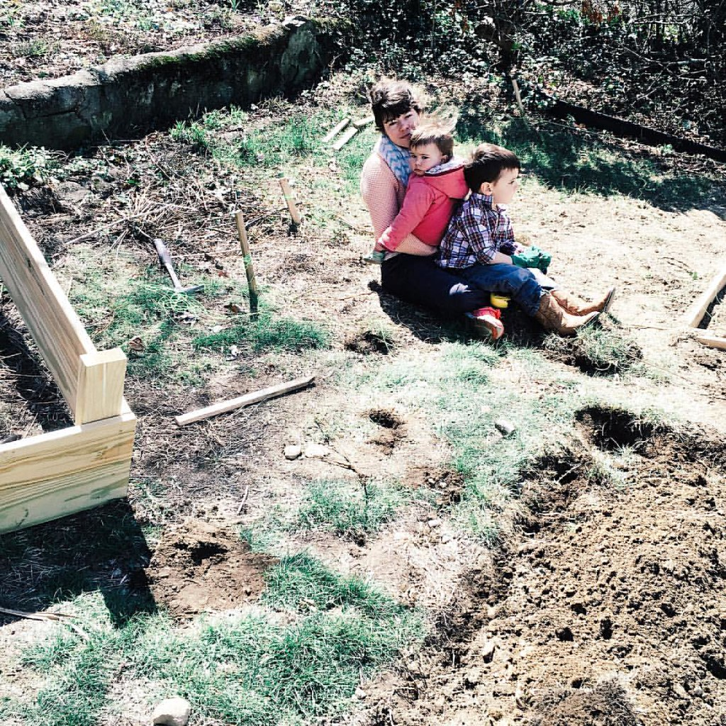 A yard full of dirt to play, and all they want to do is sit on top of me. ##children #childhood #motherhood #personalspaceinvader