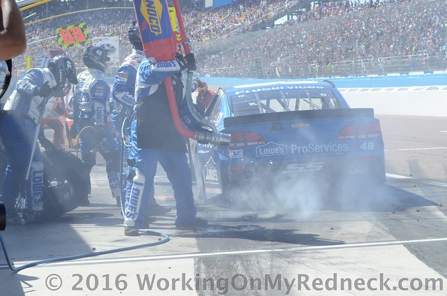 jimmie johnson pit stop