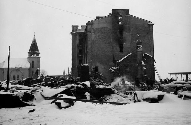 Последствия бомбёжки 1940.02.05 02