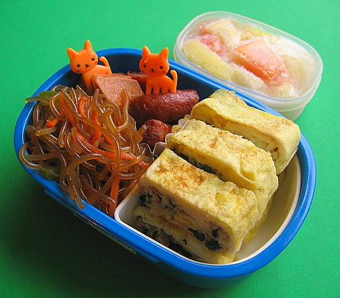 Spinach tamagoyaki lunch for preschooler | by Biggie*