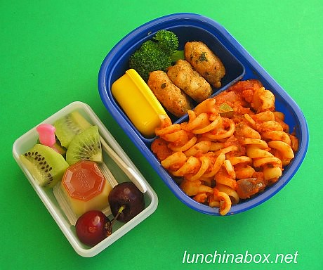 Fusilli & crab cake lunch for preschooler | by Biggie*