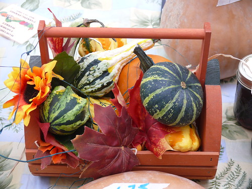 102707gourdcenterpiece | by swampkitty