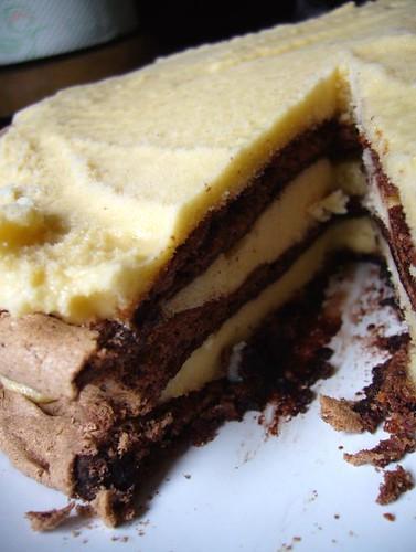 Chocolate hazelnut meringue gelato cake | Chocolate pavlova ...