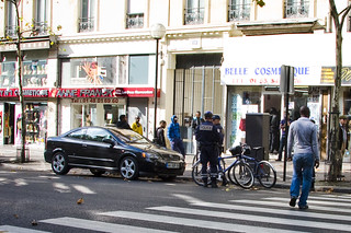 Paris Bike Cops Give Car Ticket | by Mikael Colville-Andersen