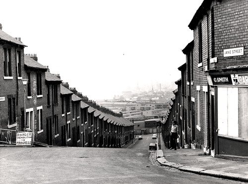 023437:Kendal Street Byker City Engineers 1975