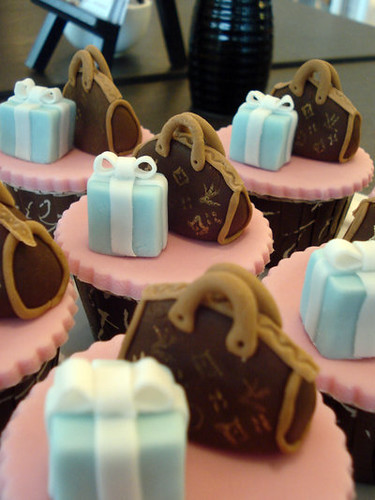 Tiffany and LV Cupcakes | by Chef Nicky of 1-Caramel Patisserie