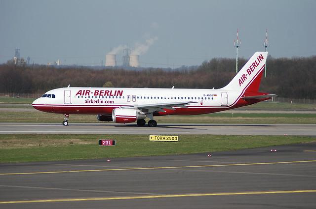 Air Berlin Airbus A320-214; D-ABDG@DUS;11.03.2007/453il