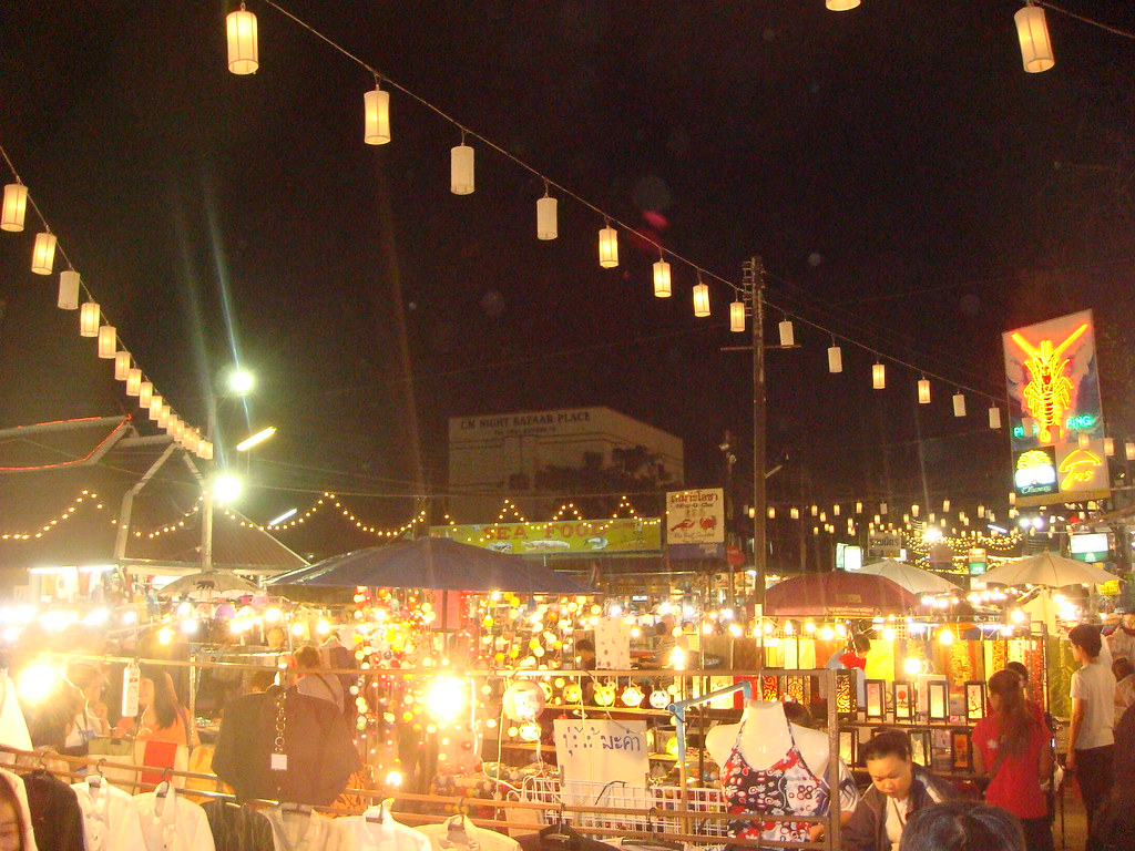 The Chiang Mai Sunday Market offers several authentic craftsmanship of Northern Thais
