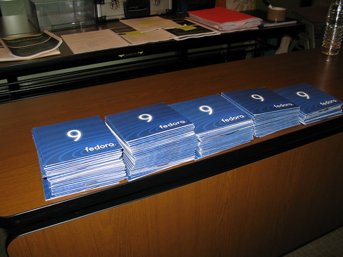 Fedora 9 DVDs and Live CDs | by x_jamesmorris