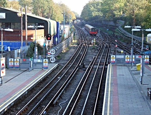 Finchley Central Tube Station
