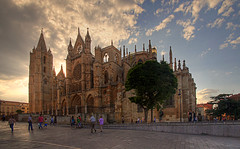 Catedral al atardecer-Leon-Spain | by dnieper