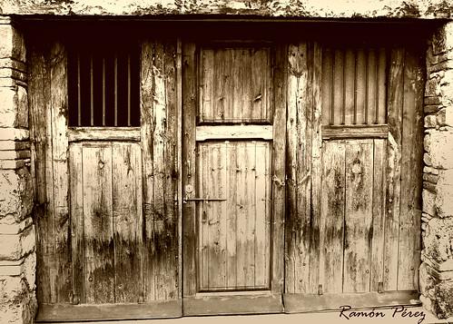 Puerta de garage ram n flickr - Puerta de garage ...