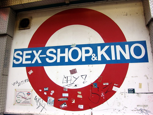 sex shop kino urologe untersuchungsstuhl