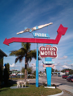 Reed's Motel - Jan. 2004 | by Sam Howzit