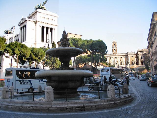 1675 2005 Fontana Piazza dell'Aracoeli