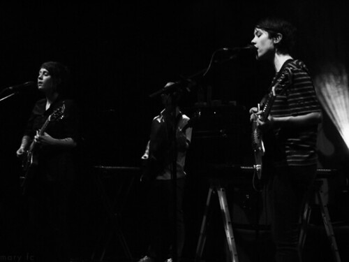 Tegan Quin, Shaun Huberts and Sara Quin | by mary fc