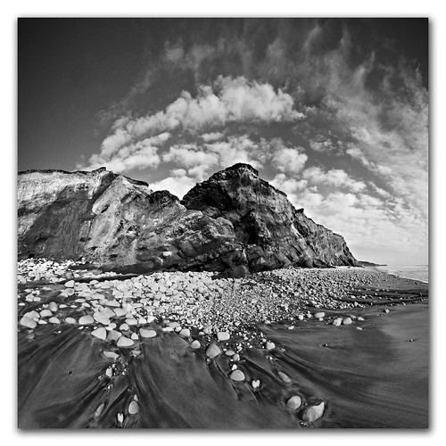 Black & White Chine Warp. Wide Angle Vertorama Photography. | by s0ulsurfing