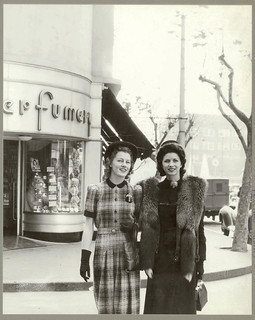 Australian fashion outside Minerva French Perfumery, Kings Cross, Sydney, July 1941 / Russell Roberts | by State Library of New South Wales collection