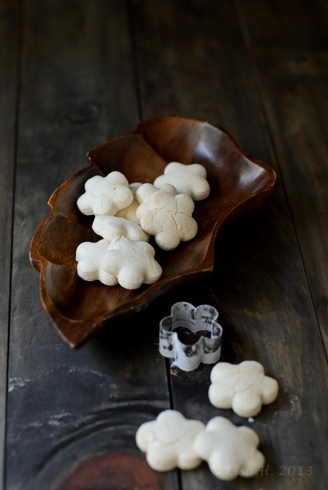 Kuih Bangkit / Tapioca Cookies