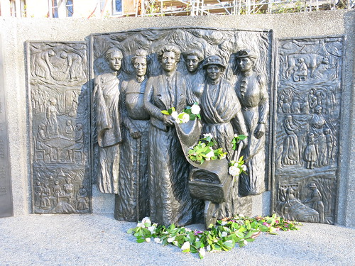 Kate Sheppard memorial. Flickr 2014-09-19-IMG_2212