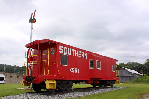 Southern X561 caboose - Collinsville, AL