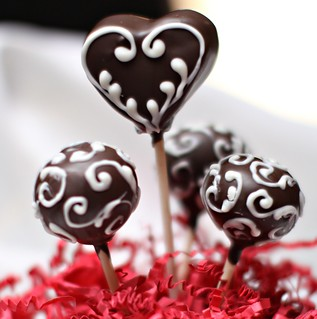 Heart Valentine Cake pops | by thecakepop