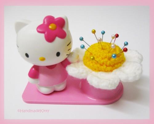 Amigurumi Human Base Pattern : Hello Kitty Flower Pincushion Amigurumi Crochet Pattern ...