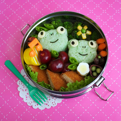 yum-yum frogs bento | by gamene