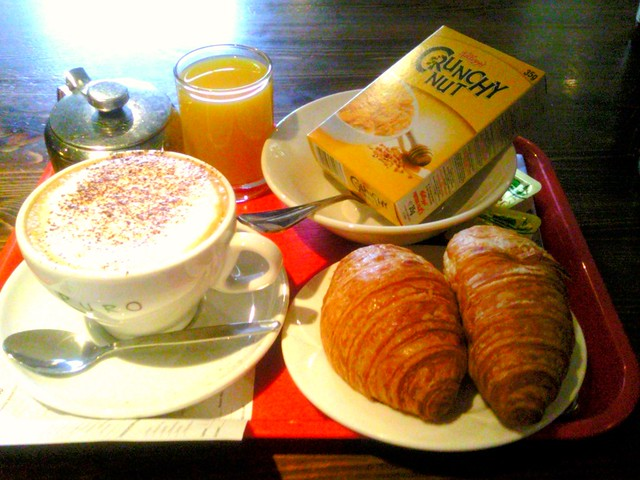 Umi Hotel London Bayswater continental breakfast