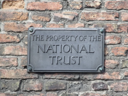 King's Lynn Art Centre, King Street, King's Lynn - The Property of the National Trust sign | by ell brown