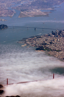 11.000 feet with a beautiful view of the city of San Francisco and the Golden Gate bridge, partly covered in fog. | by grwsh.marcel