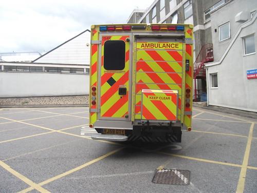 Yj59oty 1549 yorkshire ambulance service mercedes benz spr for Mercedes benz smithtown service