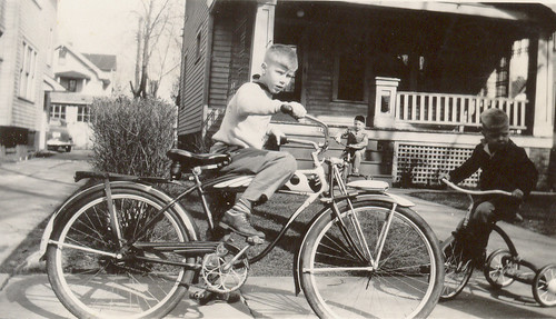 Roger on Richland Avenue with Schwinn Bicycle | by roger4336