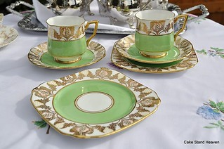 Gold Art Deco Cake Stand : Green & Gold Art Deco Teacups & Saucers Fabulous Art ...