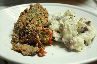 Meatloaf/Potatoes | by niftyfoodie